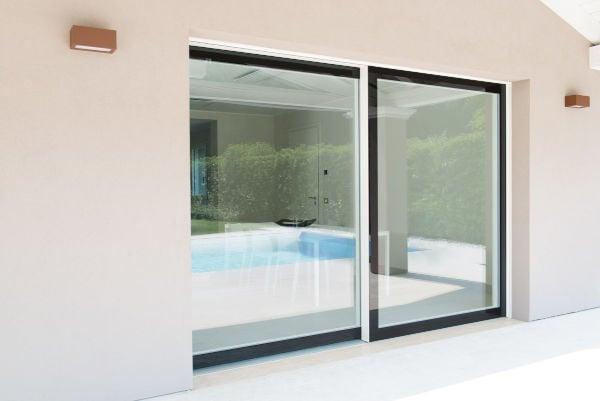 Produzione e Progettazione infissi-ampie vetrate esterno