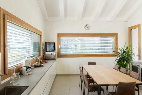 finestre in legno contro pcv e alluminio
